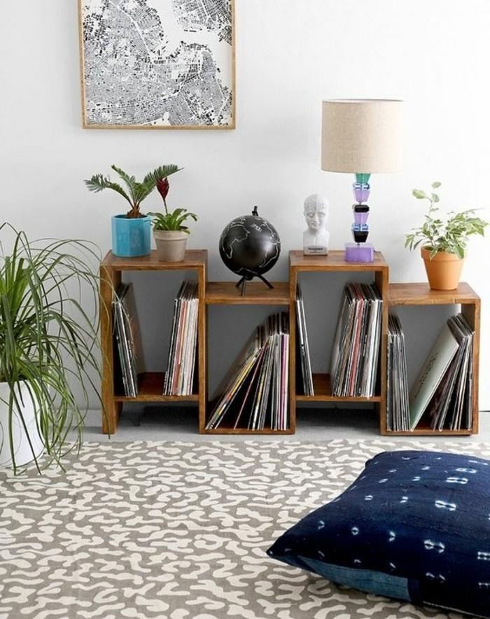 etagere-basse-etagere-asymetrique-en-bois-tapis-gris