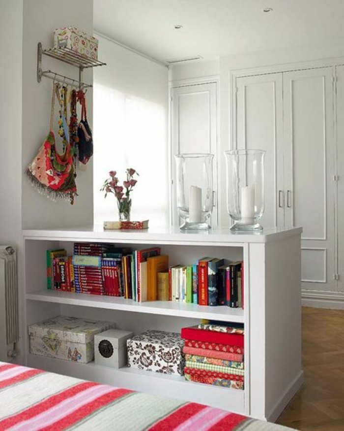 59 photos d 39 tag re basse d couvrez le rangement pratique. Black Bedroom Furniture Sets. Home Design Ideas
