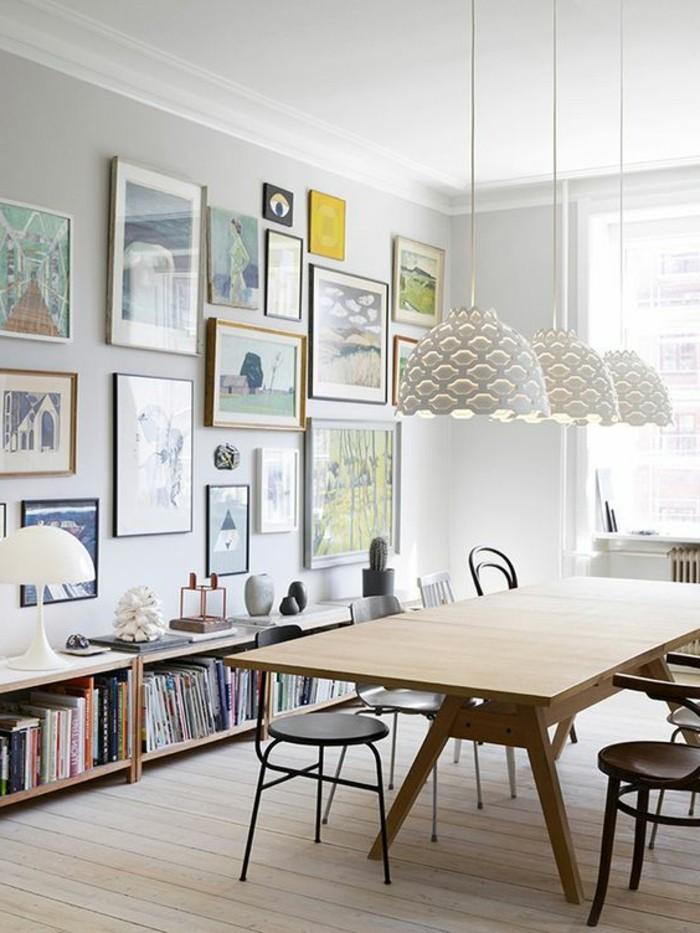 etagere-basse-modulable-dans-la-salle-a-manger-grande-table-en-bois
