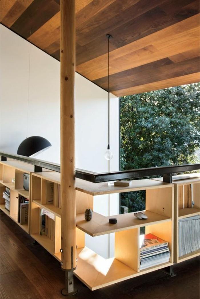 etagere-basse-sur-le-balcon-idees-de-rangement-creatif