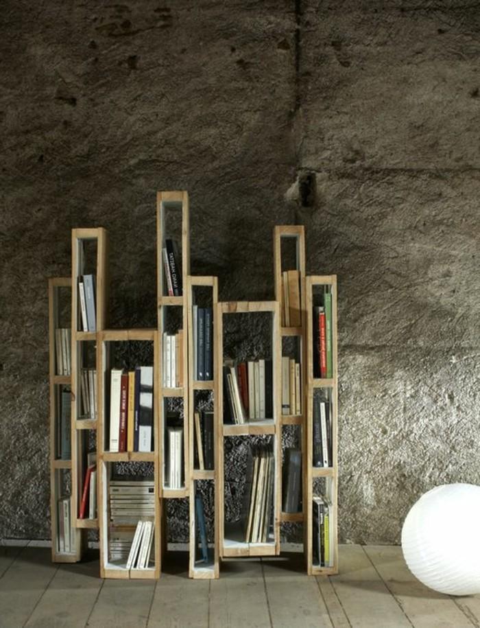 etagere-originale-des-livres-lampe-boule