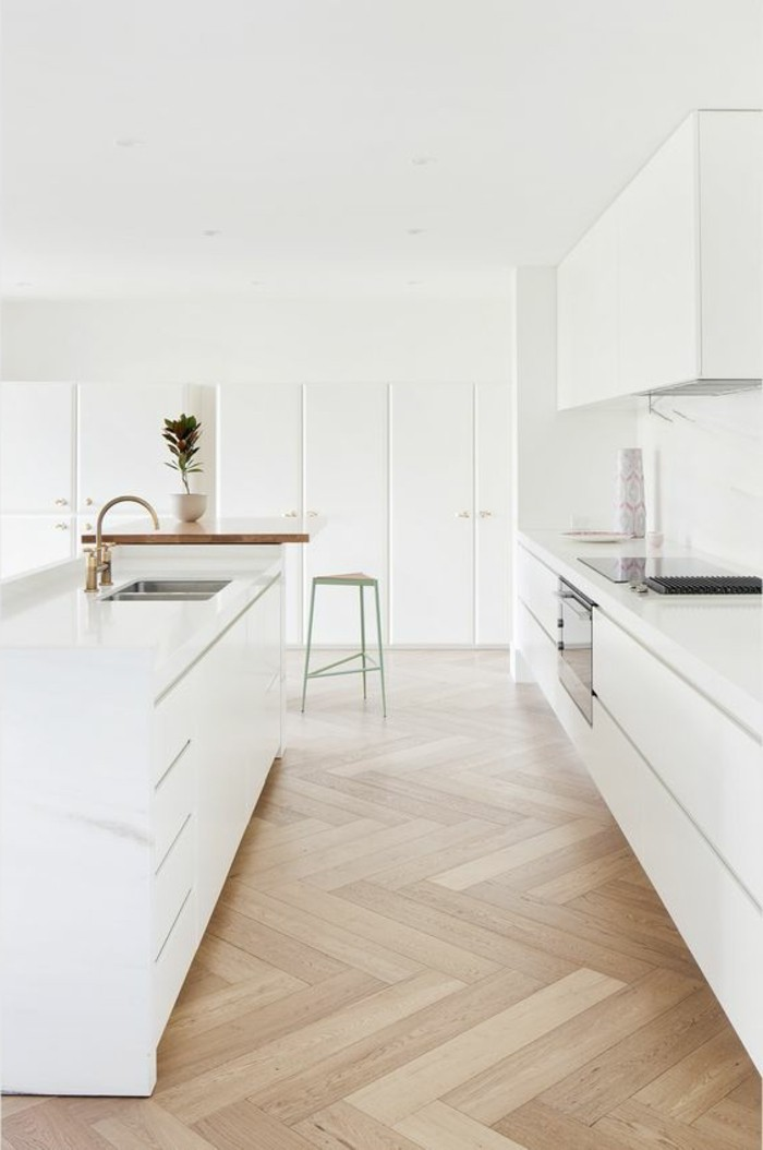 0 meubles cuisines blancs sol en parquet clair parquet teck clair chaise haute en vert clair 1jpg