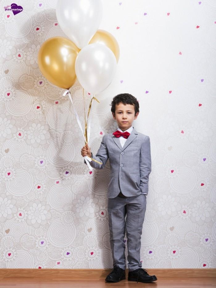 04-tenue-mariage-enfant-costume-clair-garcon-d-honneur-avec-accent-colore-point-mariage-resized