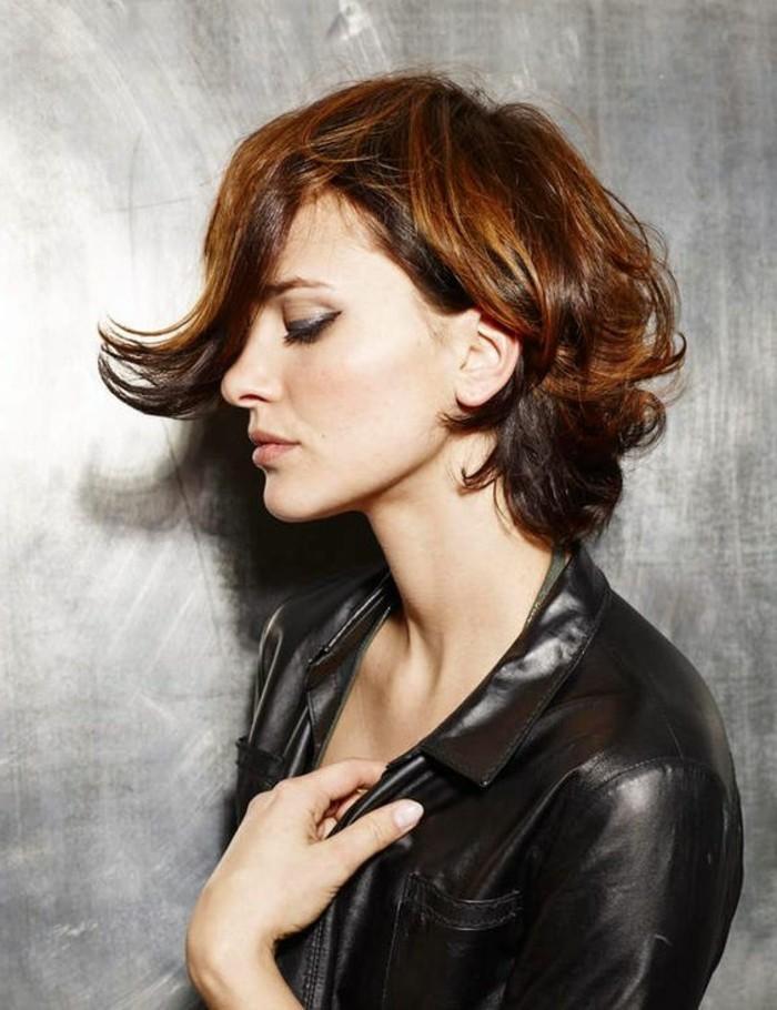 admorable-coupes-carre-degrade-veste-en-cuir-femme-beaute