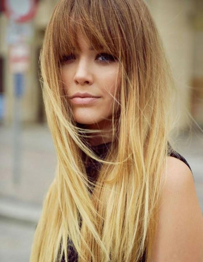 adorable-coupe-de-cheveux-long-belle-femme-fringue