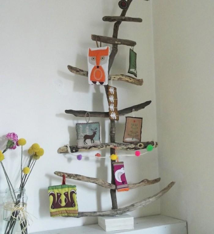 adorable-sapin-de-noel-en-bois-flotte-a-faire-de-ses-mains-branches-de-taille-differente-sapin-de-noel-decoration-interessante