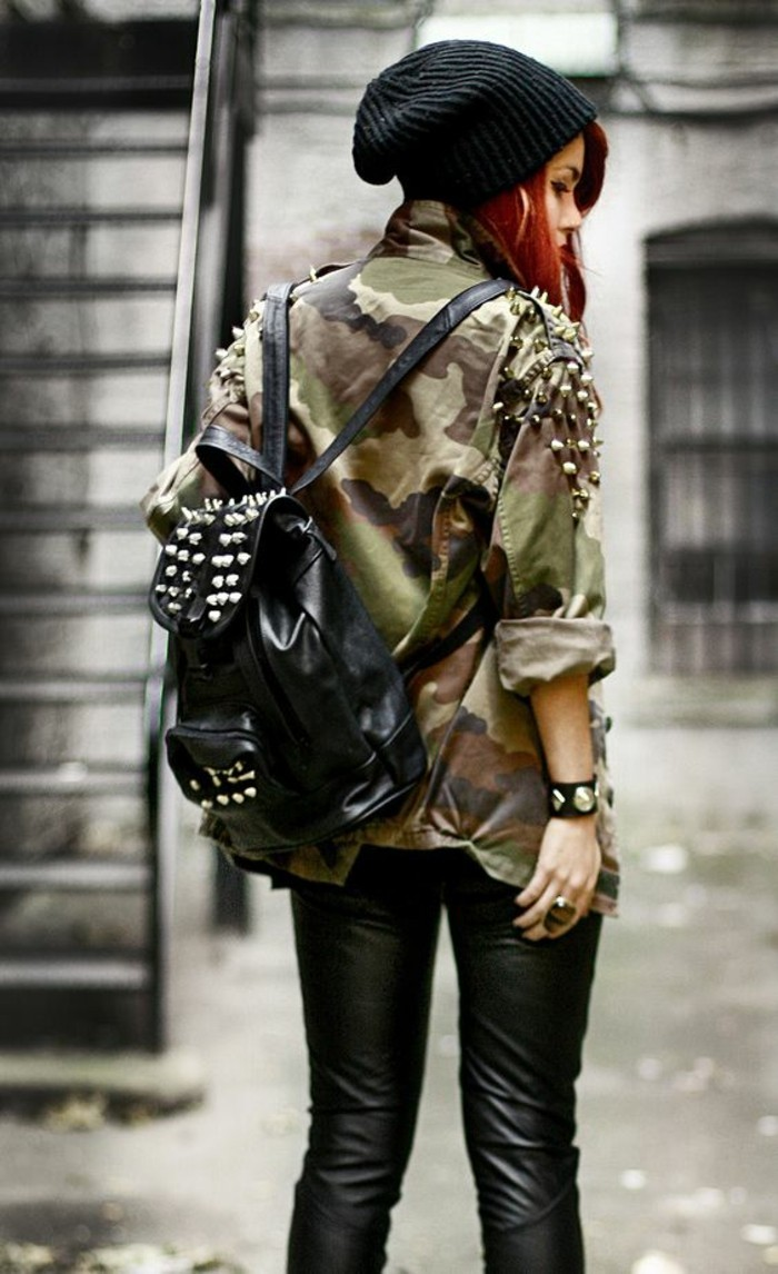allure-grunge-veste-militaire-femme-sac-a-dos-en-cuir