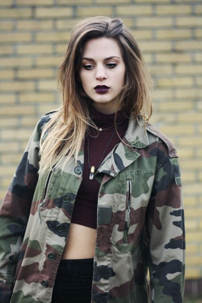 allure-legerement-grunge-veste-style-militaire-femme