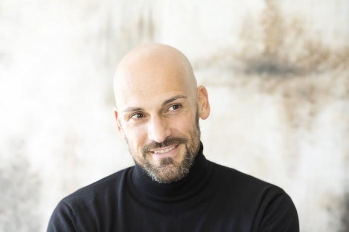 alopecie-androgenetique-perte-de-cheveux-cause-idee-mode-chauve