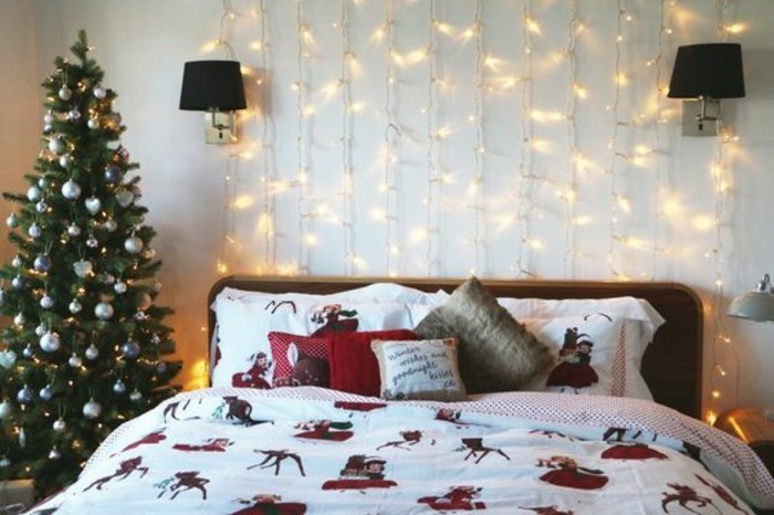 ambiance-festive-guirlande-lumineuse-noel-chambre-a-coucher