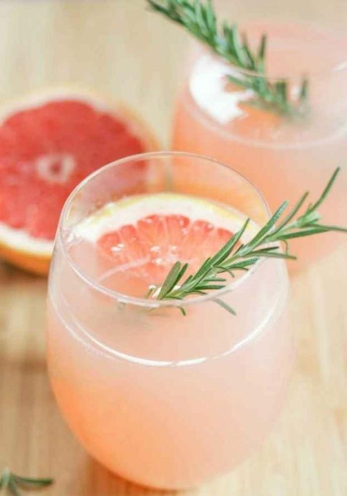 aperitif-sans-alcool-cocktail-eau-rose-boisson-fraiche