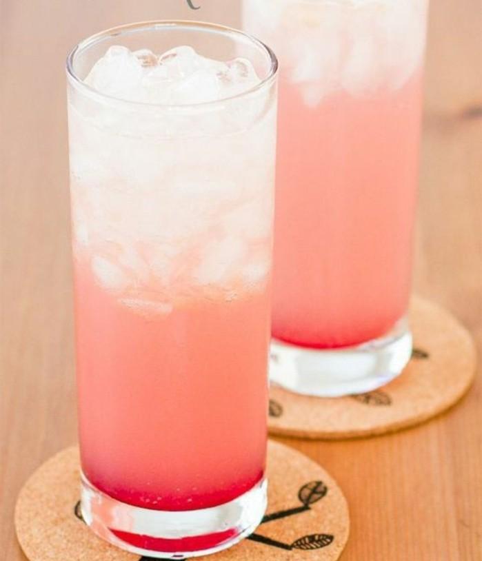 aperitif-sans-alcool-limonade-aux-framboises-couleur-rose