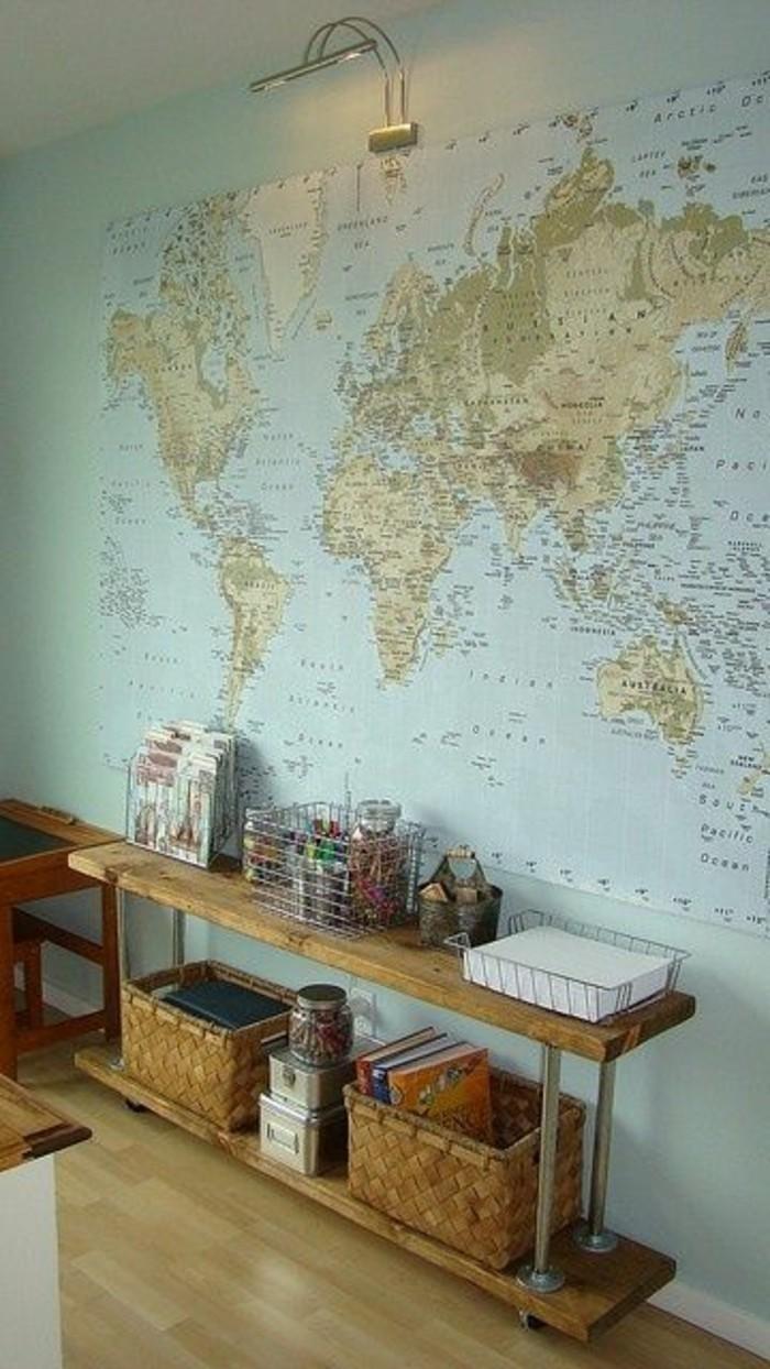 basse-etagere-de-rangement-parquet-clair-carte-du-monde-murale-mur-entier