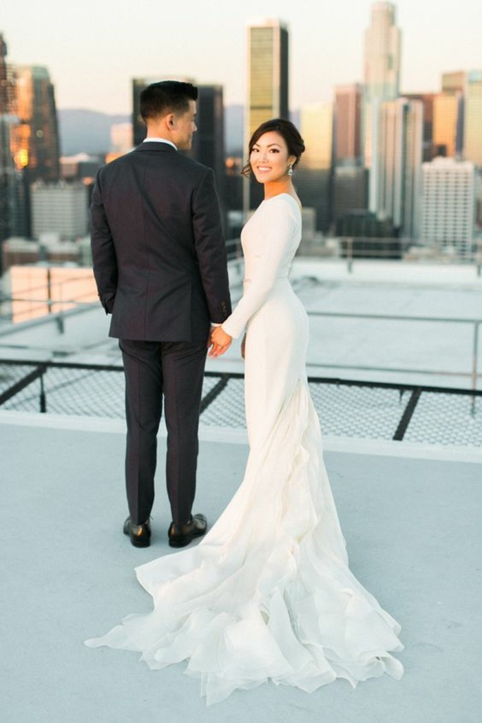 belle-robe-chouette-mariee-simple-et-chic-longue-jolie-couple-new-york