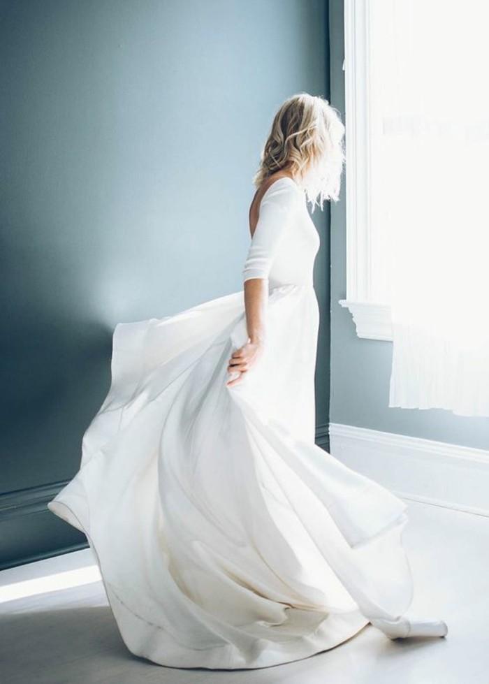 belle-robe-de-mariee-simple-et-chic-longues-manches