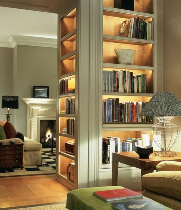 bibliotheque-meuble-installe-entre-deux-pieces-et-eclaire