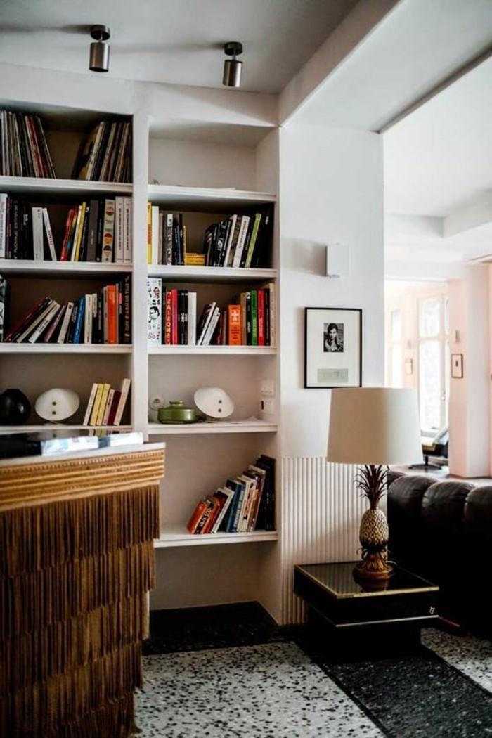 bibliotheques-meubles-etageres-blanches-pour-les-livres