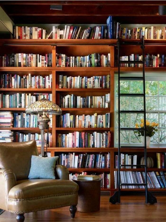 bibliotheques-meubles-grande-bibliotheque-et-fauteuil