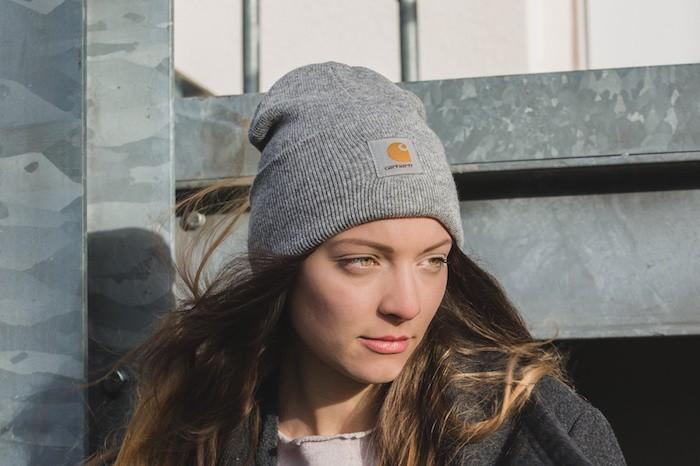 bonnet-carhartt-gris-femme-hipster-fille-mode-hiver