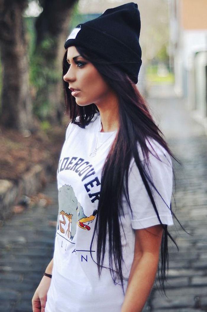 bonnet-fille-hipster-femme-noir-idee-photo-image-style-a-la-mode