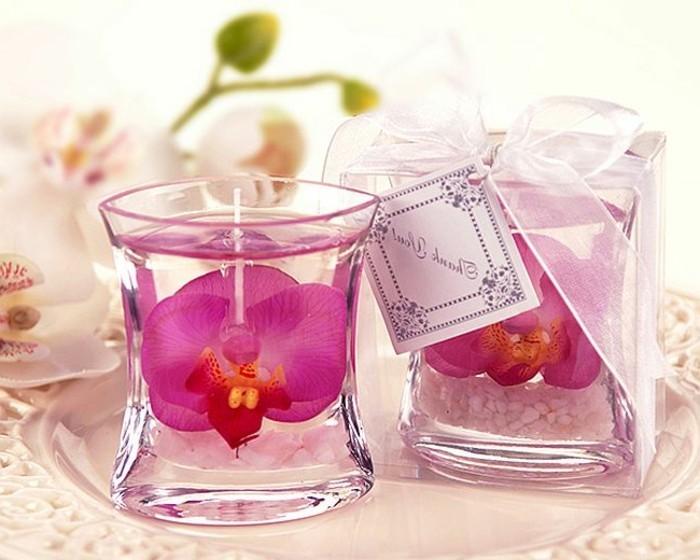 bougies-avec-du-gel-et-deco-florale-suggestion-fantastique-comment-fabriquer-une-bougie-elegante
