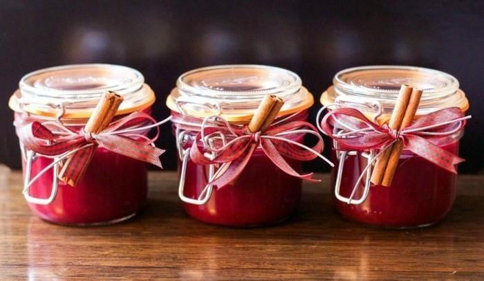 bougies-moule-petits-pots-de-confiture-comment-fabriquer-une-bougie-suggestion-geniale