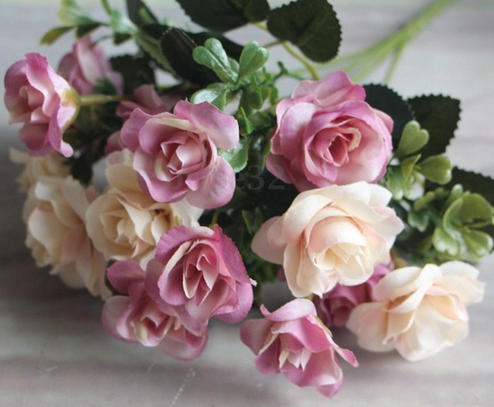bouquet-fausses-roses-rose-artificielle-plante-plastique-fausse-plante