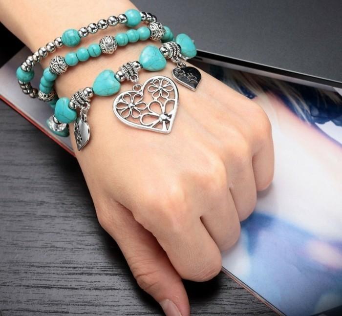 bracelet-elastique-decoree-de-perles-et-de-pierres-idee-fantastique-comment-faire-des-bracelets-en-elastique