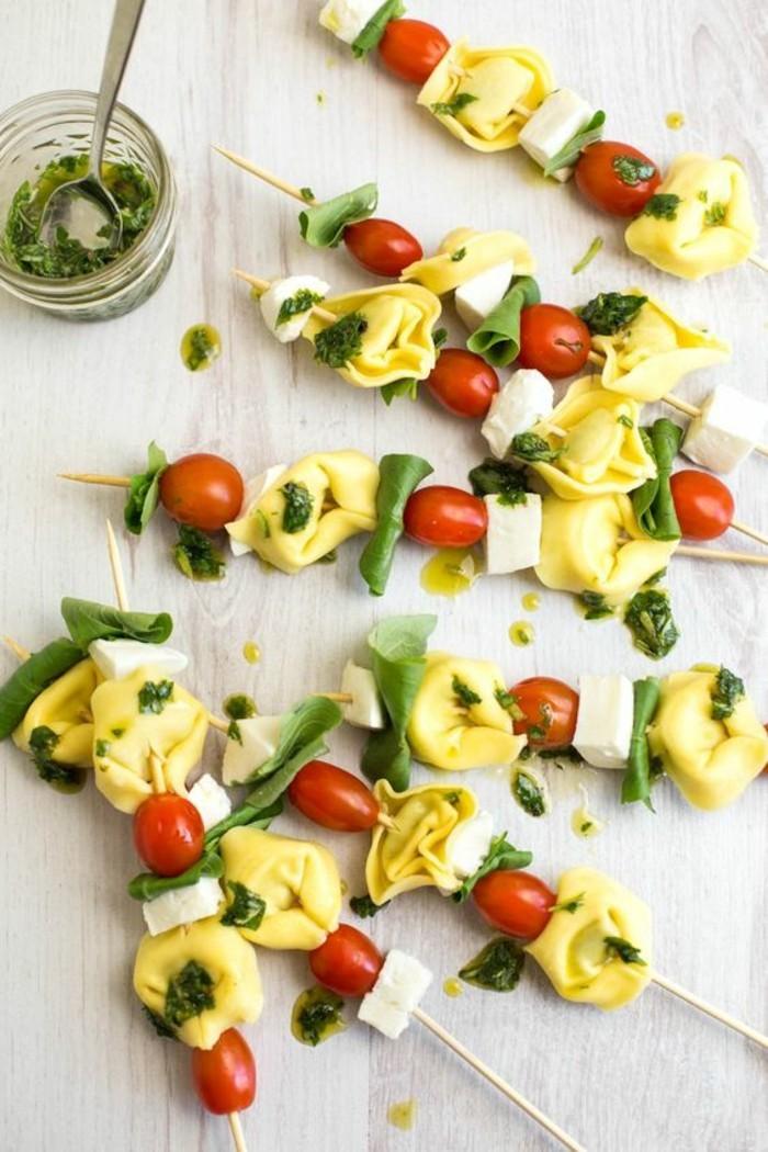 brochette-apero-antipasti-avec-tortellini-et-tomates-cerise