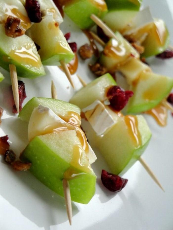 brochette-apero-fruits-cure-dents-de-pommes-au-caramel