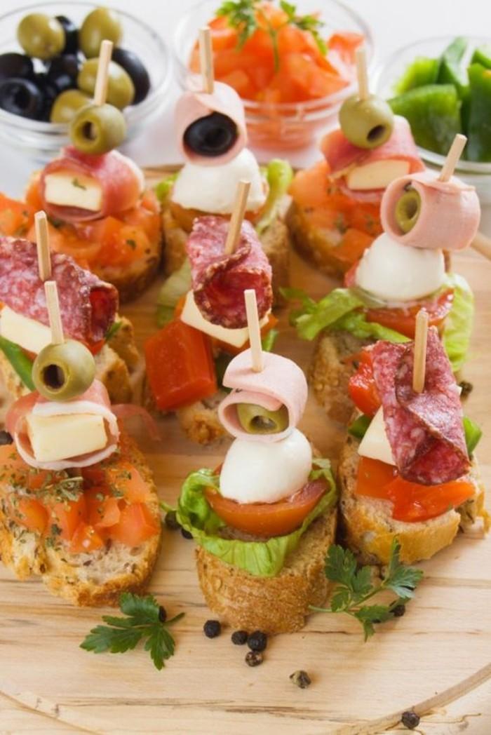 brochette-apero-mozzarella-olives-jambon-avec-pain