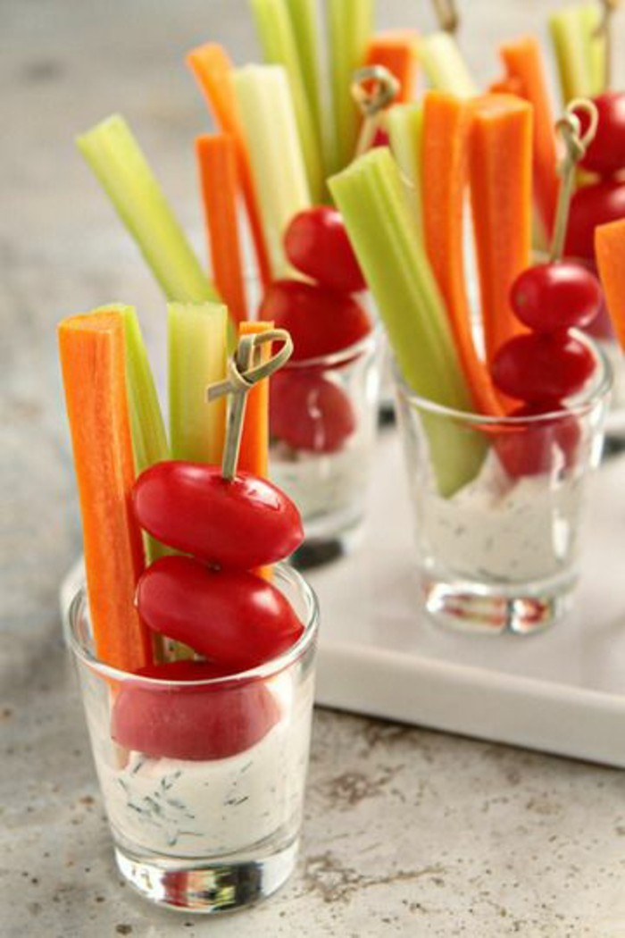 brochette-apero-tomates-cerises-sauce-tzatziki