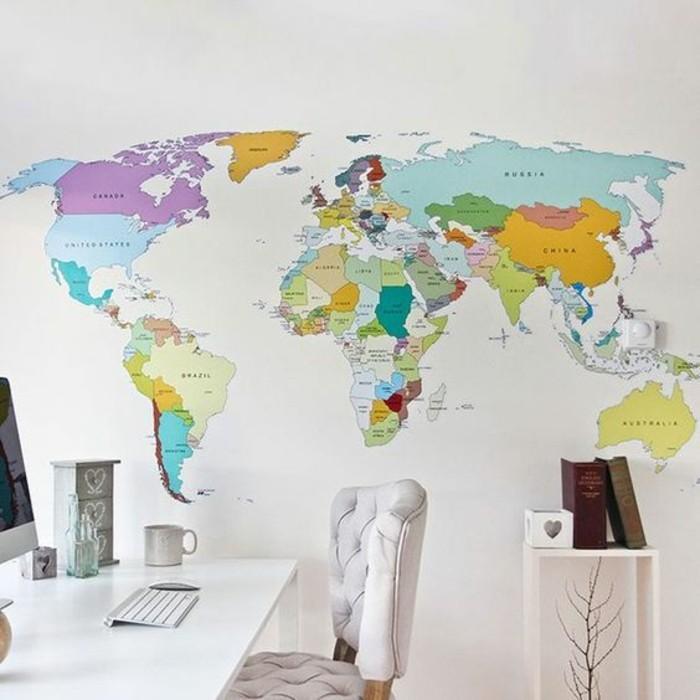 cabinet-espace-bureau-en-blanc-carte-du-monde-poster-sur-mur-entier