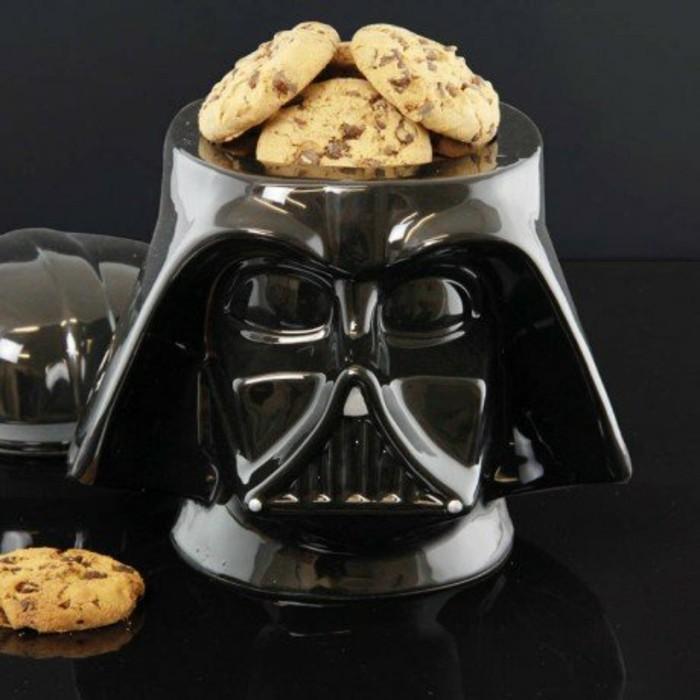 cadeau-de-noel-pour-homme-boite-cookies-dark-vador-star-wars-resized