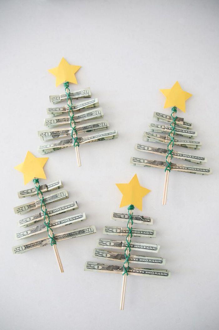 cadeau noel fait maison des sapins de noel diy en argent plié sur cure dents et déco étoile papier jaune en top