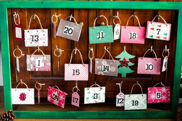 calendrier-de-l-avent-compose-de-petites-cartes-multicolores-et-numerotees-calendrier-de-l-avent-a-fabriquer-suggestion-sympa