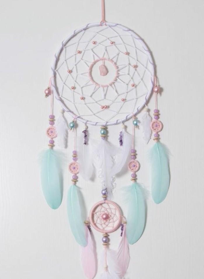 capteur-de-reve-extremement-joli-rose-et-bleu-nuances-douces-attention-aux-details-perles