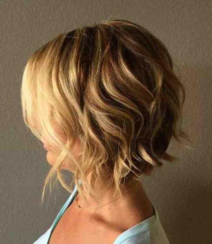 carre-court-faux-carre-cheveux-longs-ondulants