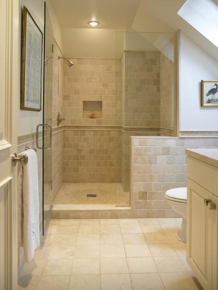 Le carrelage beige pour salle de bain 54 photos de for Carreaux mosaique salle de bain