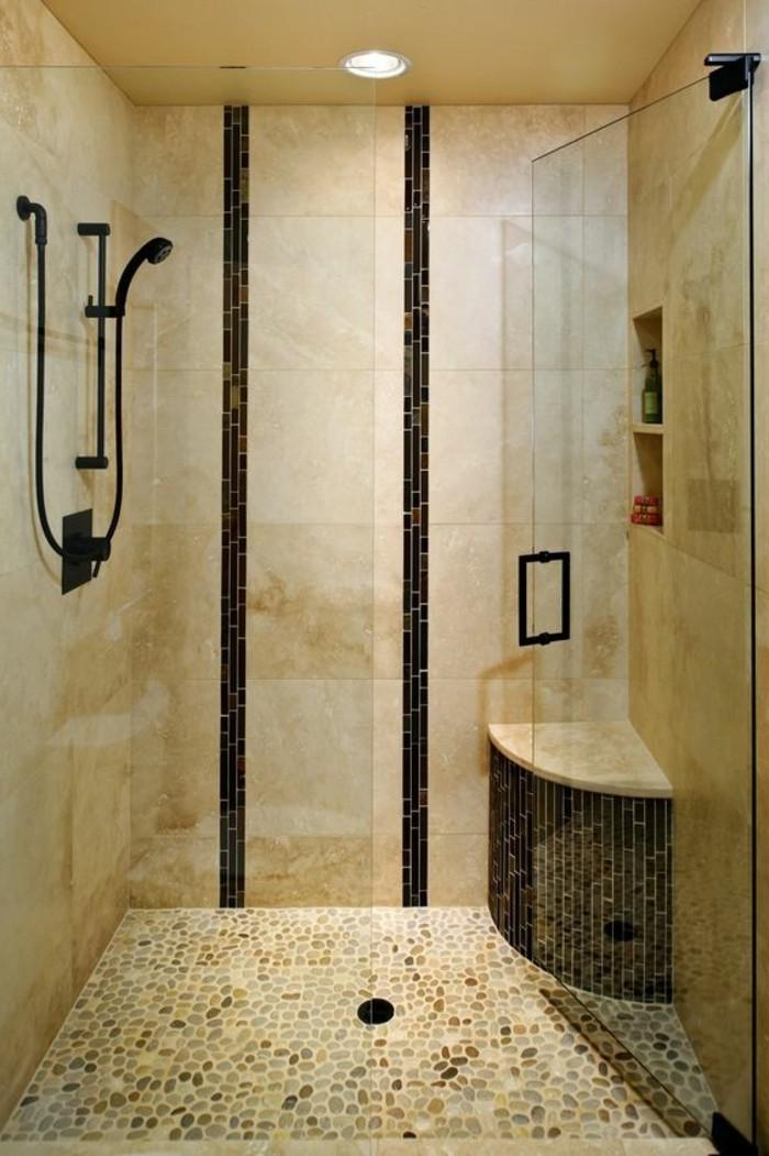 Le carrelage beige pour salle de bain 54 photos de for Salle de bain mosaique grise
