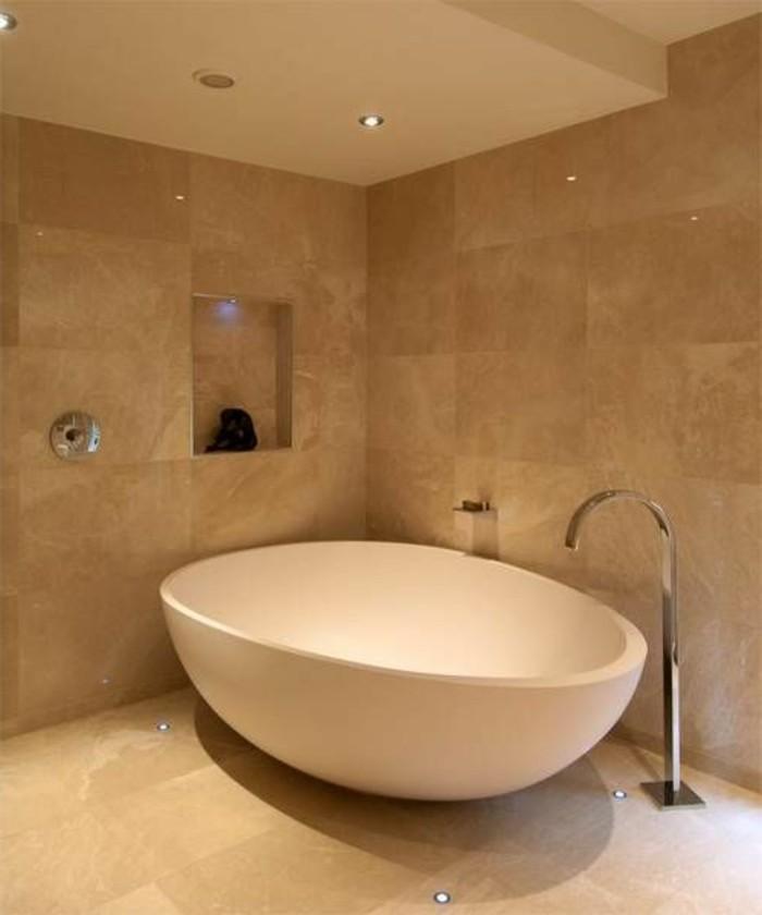 Le carrelage beige pour salle de bain 54 photos de - Baignoire petit format ...