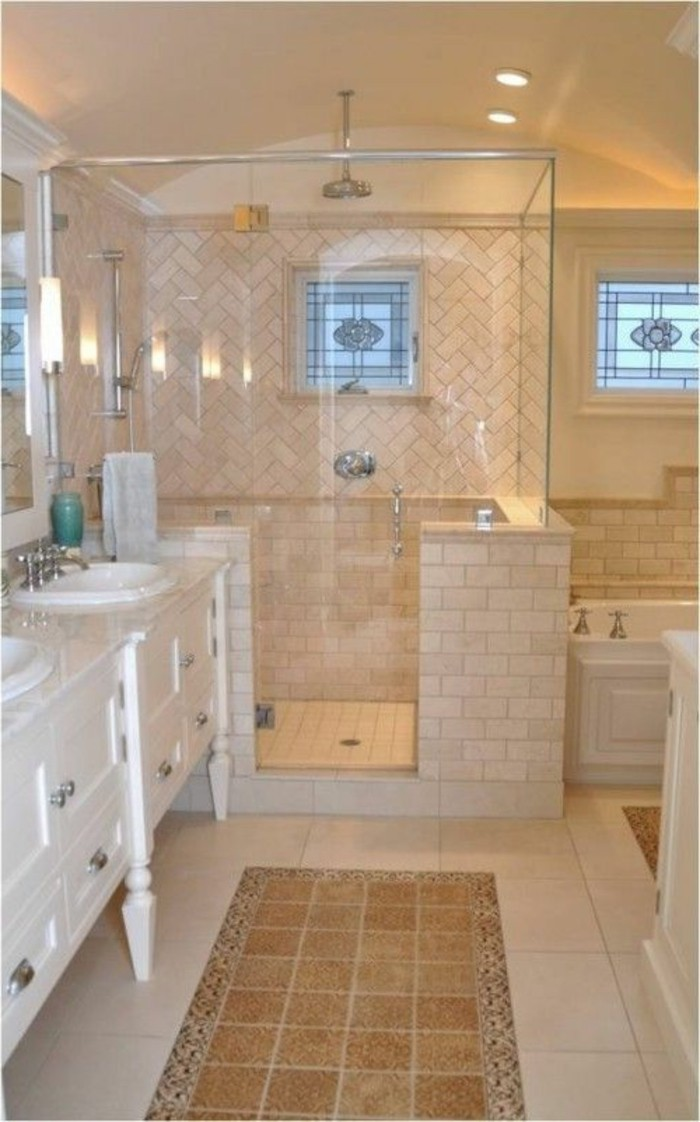 Le carrelage beige pour salle de bain 54 photos de for Carreaux salle de bain