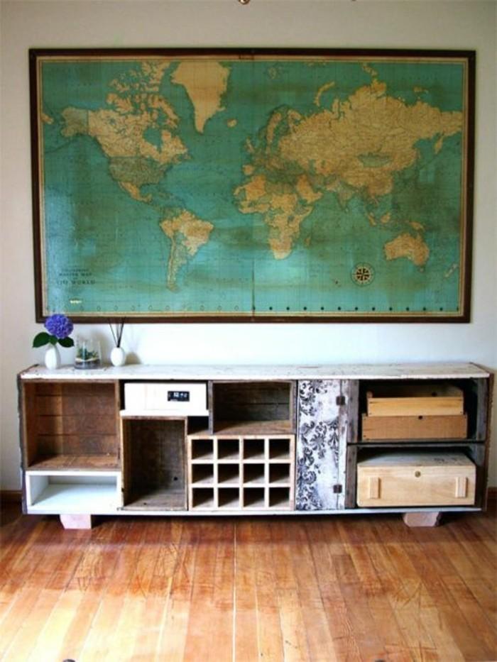 carte-du-monde-vintage-etagere-parquet