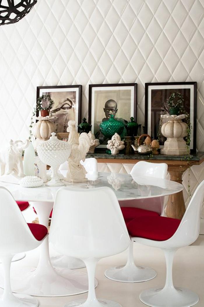 La chaise tulipe embl me du design des ann es cinquante - Table et chaise blanche ...