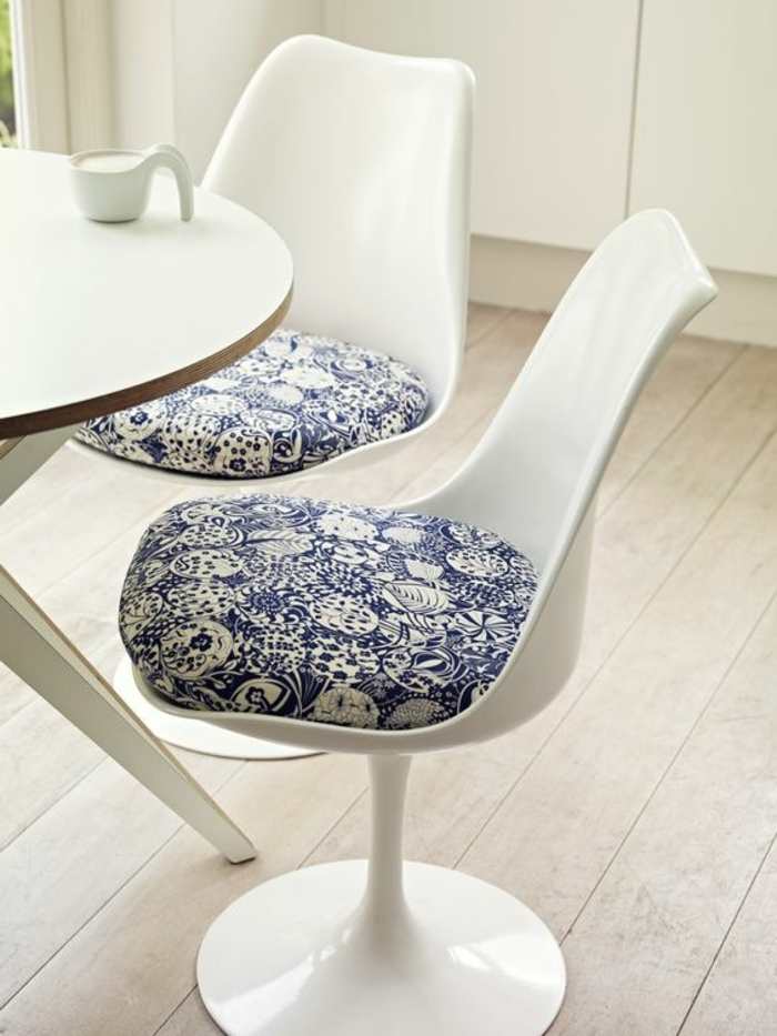 chaise-tulipe-chaises-knoll-blanches-idees-deco-dinterieur