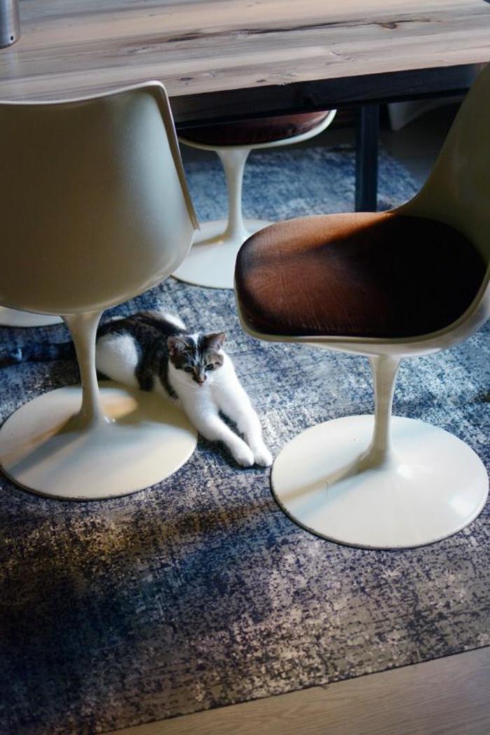 chaise-tulipe-comment-amenager-sa-salle-de-dejeuner
