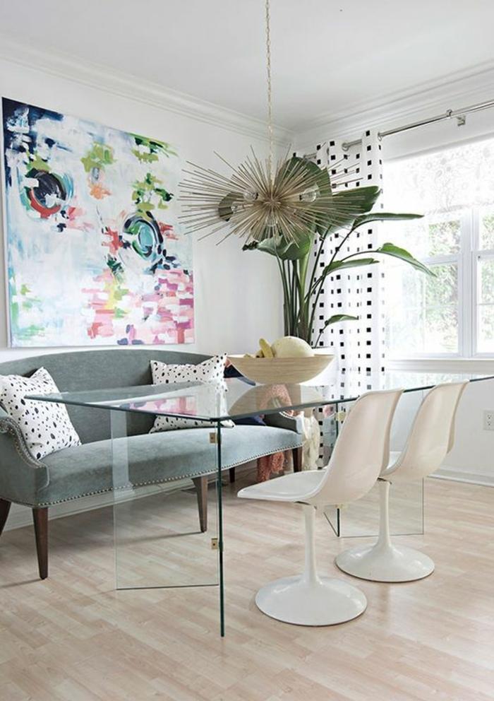 chaise-tulipe-salle-de-dejour-chaises-tulipe-et-table-en-verre