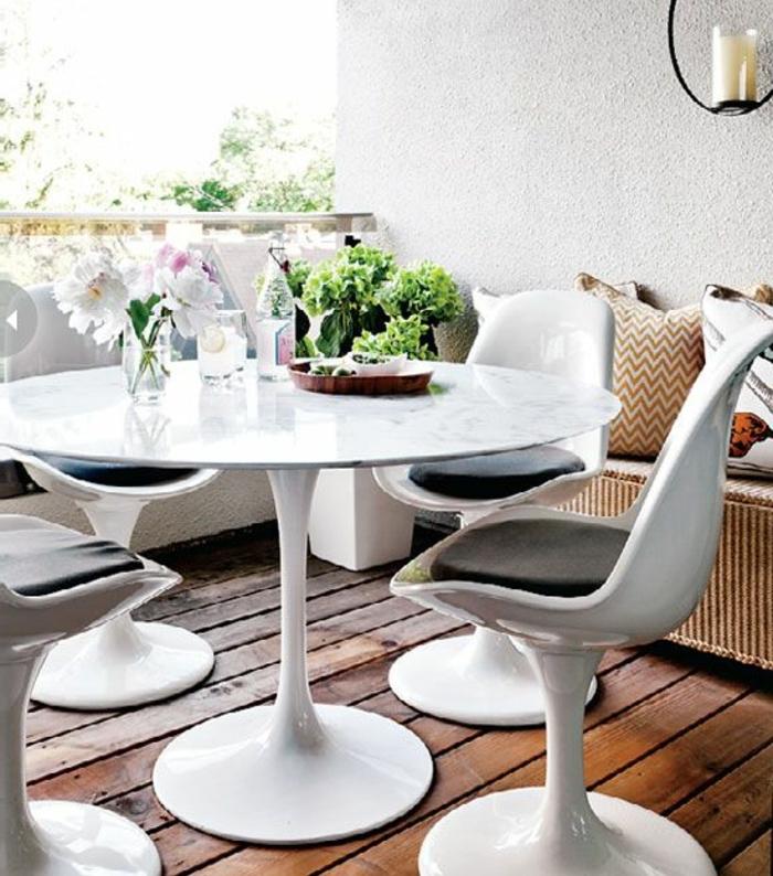 la chaise tulipe embl me du design des ann es cinquante. Black Bedroom Furniture Sets. Home Design Ideas