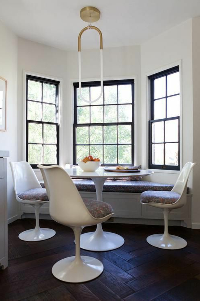 chaise-tulipe-trois-grandes-fenetres-chaises-knoll
