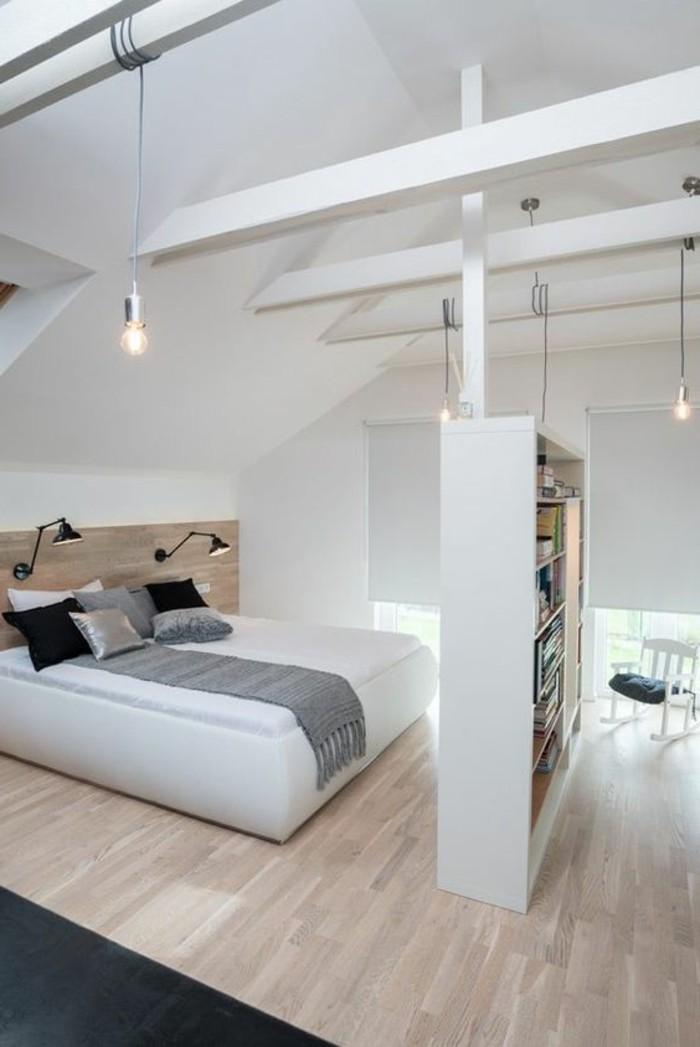chambre-a-coucher-sol-parquet-massif-chene-tapis-noir-bibliotheque-plafond-sous-pente